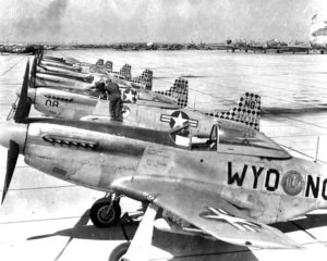 600px-187th_fighter_squadron_-_f-51_mustangs
